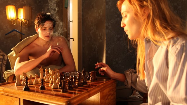 Bill Skarsgård og Erica Löfgren i Simon og eiketrærne (Foto: Nordisk Film Distribusjon AS).