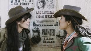 Cruz og Hayek i Bandidas. (Foto/Copyright: Nordisk Film)