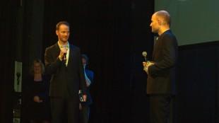 Joachim Trier og Eskil Vogt fikk Kanonprisen for beste manus (Foto: NRK/Birger Vestmo).