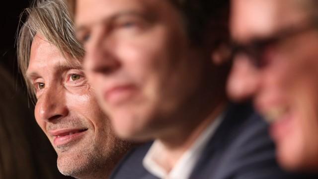 Mads Mikkelsen, Thomas Vinterberg og Thomas Bo Larsen under pressekonferansen i Cannes (Foto: REUTERS/Yves Herman).