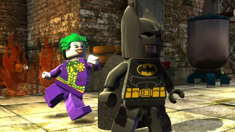 The Joker i ferd med å tupper Batman i ræva i LEGO Batman 2: DC Super Heroes (Foto: Warner Bros. Entertainment).