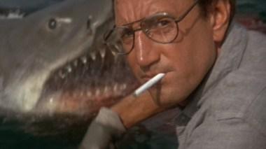 Sheriff Brody (Roy Scheider) til høyre i dette bildet fra Jaws (Foto: Universal Pictures).
