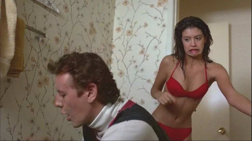 Phoebe Cates tek Judge Reinhold på fersk gjerning i «Fast Times At Ridgemont High» (Foto: Universal Studios Home Entertainment).