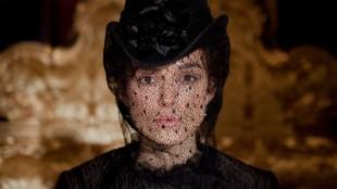 Keira Knightley som Anna Karenina i filmen med samme navn. (Foto: United International Pictures).