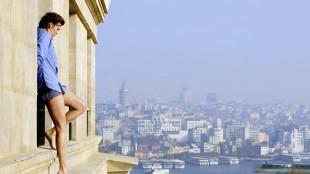 Maggie Grace lever farlig i Istanbul i Taken 2 (Foto: Scanbox).