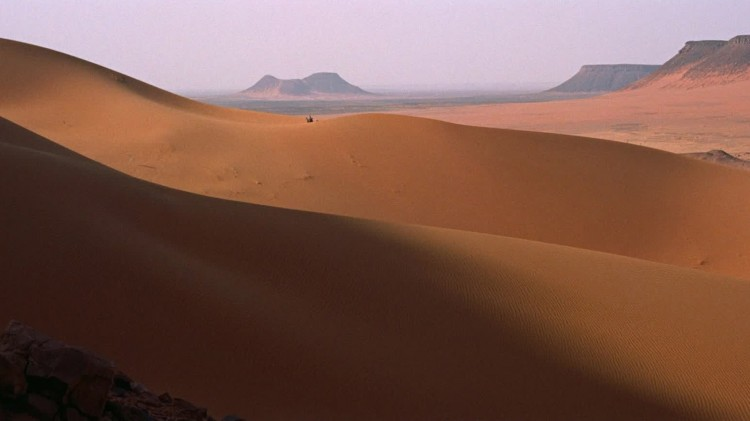 Majestetisk ørkenlandskap i Lawrence of Arabia (Foto: Sony Pictures Home Entertainment).