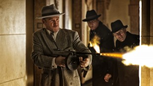Sean Penn åpner ild i Gangster Squad (Foto: Warner Bros. Pictures/ SF Norge AS).