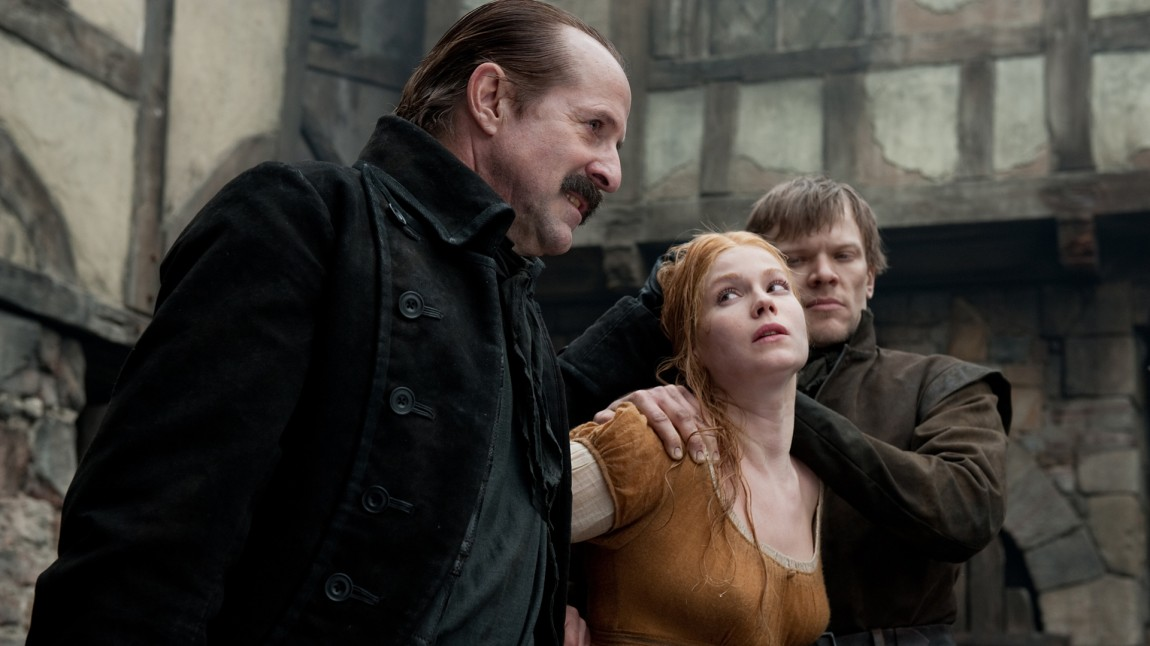 Peter Stormare og Pihla Viitala i Hansel and Gretel: Witch Hunters (Foto: SF Norge AS).