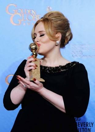Adele vant Golden Globe for beste filmlåt, nemlig Skyfall. (Foto: Kevin Winter/Getty)
