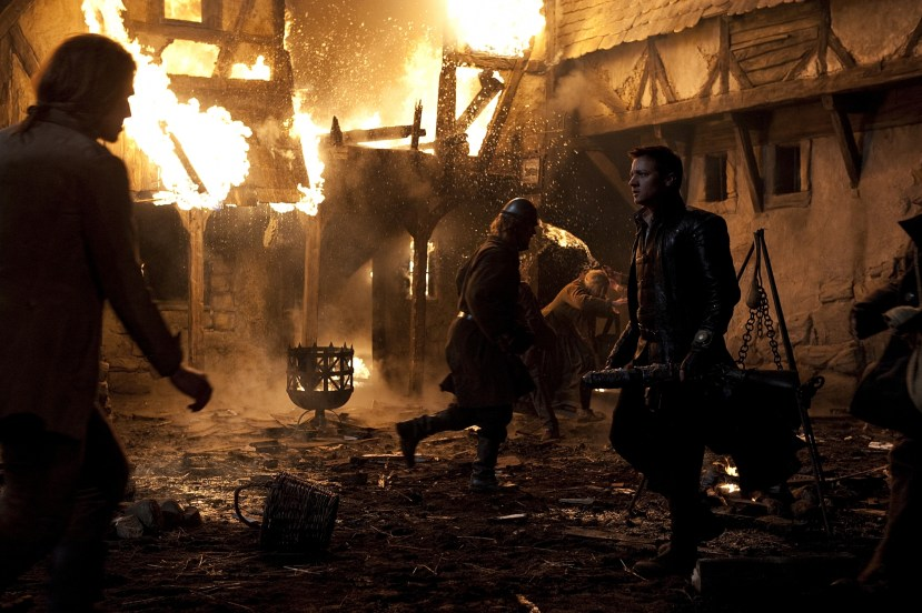 Eksplosiv action i Hansel and Gretel: Witch Hunters (Foto: SF Norge AS).