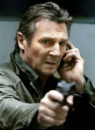 Liam Neeson multitasker i Taken 2 (Foto: Scanbox).