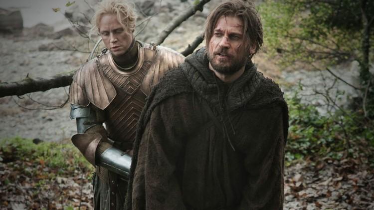 Brienne og Jaime Lannister utvikler et slags vennskap i sesong tre av Game of Thrones. (Foto: HBO).