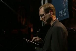 DICE-sjef Karl Magnus Troedsson under EA sin E3-pressekonferanse. (Foto: EA)