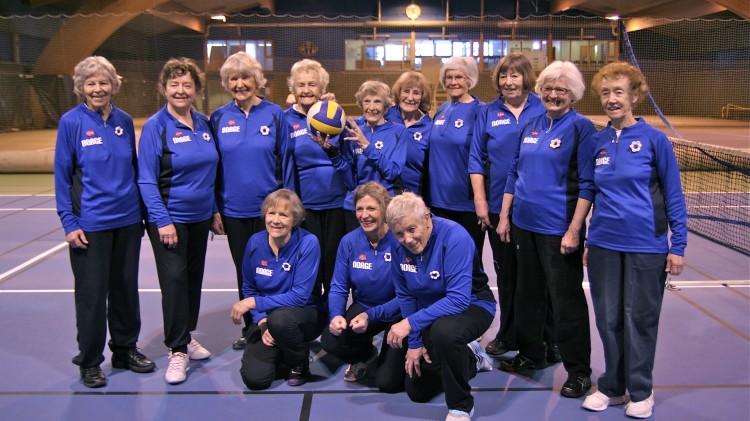 Dette er volleyball-laget Optimistene (Foto: Norsk Filmdistribusjon / Skofteland Film).