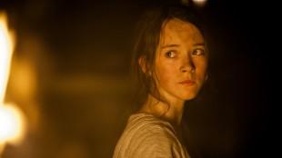 Maria Annette Tanderød Berglyd spiller Ragnhild i Gåten Ragnarok (Foto: Fantefilm Fiksjon AS / Nordisk Film Distribusjon).