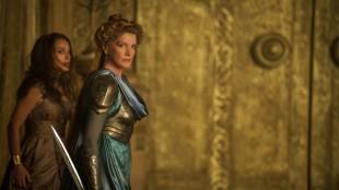 Natalie Portman og Rene Russo spiller mulig svigerdatter/svigermor i Thor: The Dark World (Foto: The Walt Disney Company Nordic).