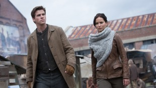 Liam Hemsworth (Gale) og Jennifer Lawrence (Katniss) i The Hunger Games: Catching Fire (Foto: Lionsgate).