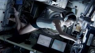 Sandra Bullock som astronauten Stone i Gravity (Foto: SF Norge AS).