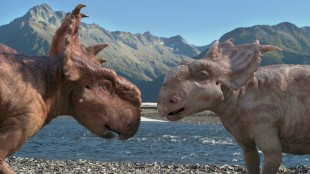 Patchi og Juniper forelsker seg i Walking With Dinosaurs (Foto: Fox Film).