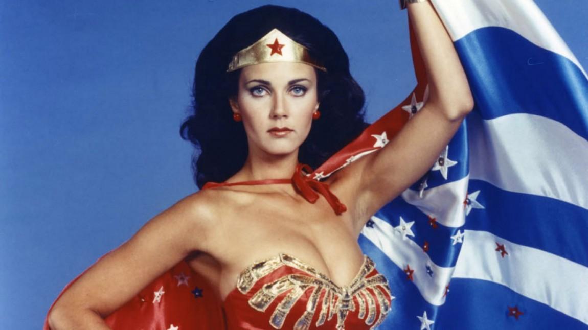 Lynda Carter spilte Wonder Woman i en TV-serie på 70-tallet som gikk over tre sesonger. (Foto: Warner Bros. Television).