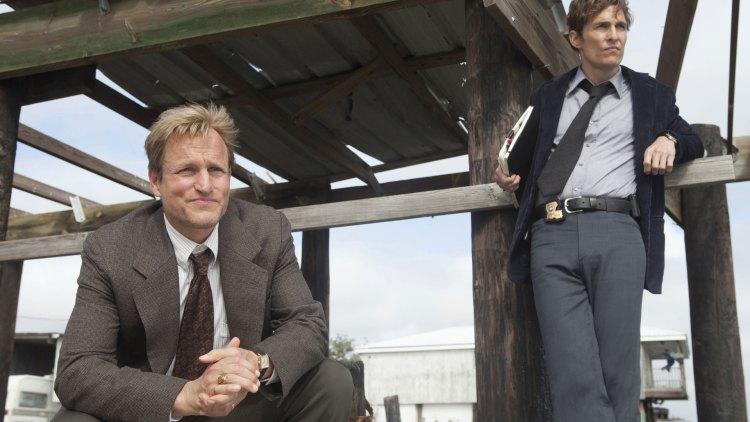 Woody Harrelson som Martin Hart og Matthew McConaughey som Rust Cohle i True Detective. (Foto: HBO Nordic).
