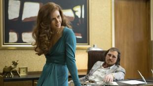 Amy Adams og Christian Bale spiller svindlere i American Hustle (Foto: SF Norge AS).