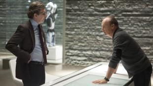 Gary Oldman og Michael Keaton har skumle planer i RoboCop (Foto: SF Norge AS).