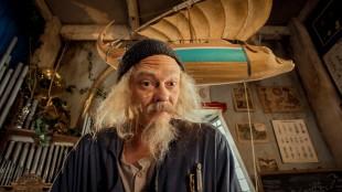 Kristoffer Joner spiller selveste tittelrollen i Doktor Proktors prompepulver (Foto: Maipo Film / Nordisk Film Distribusjon AS).