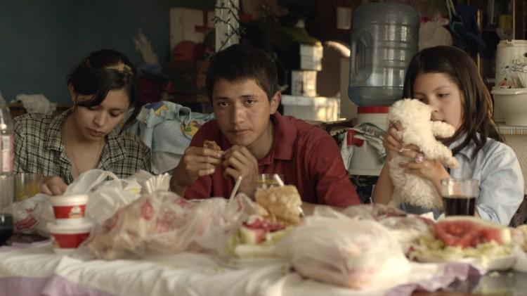 Linda González, Armando Espitia og Andrea Vergara i Heli (Foto: Europafilm AS).