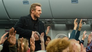 Liam Neeson spiller flyvakt i Non-stop (Foto: SF Norge AS).
