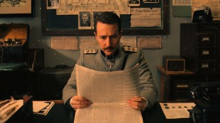 Edward Norton spiller inspektør Henckels i The Grand Budapest Hotel (Foto: 20th Century Fox).