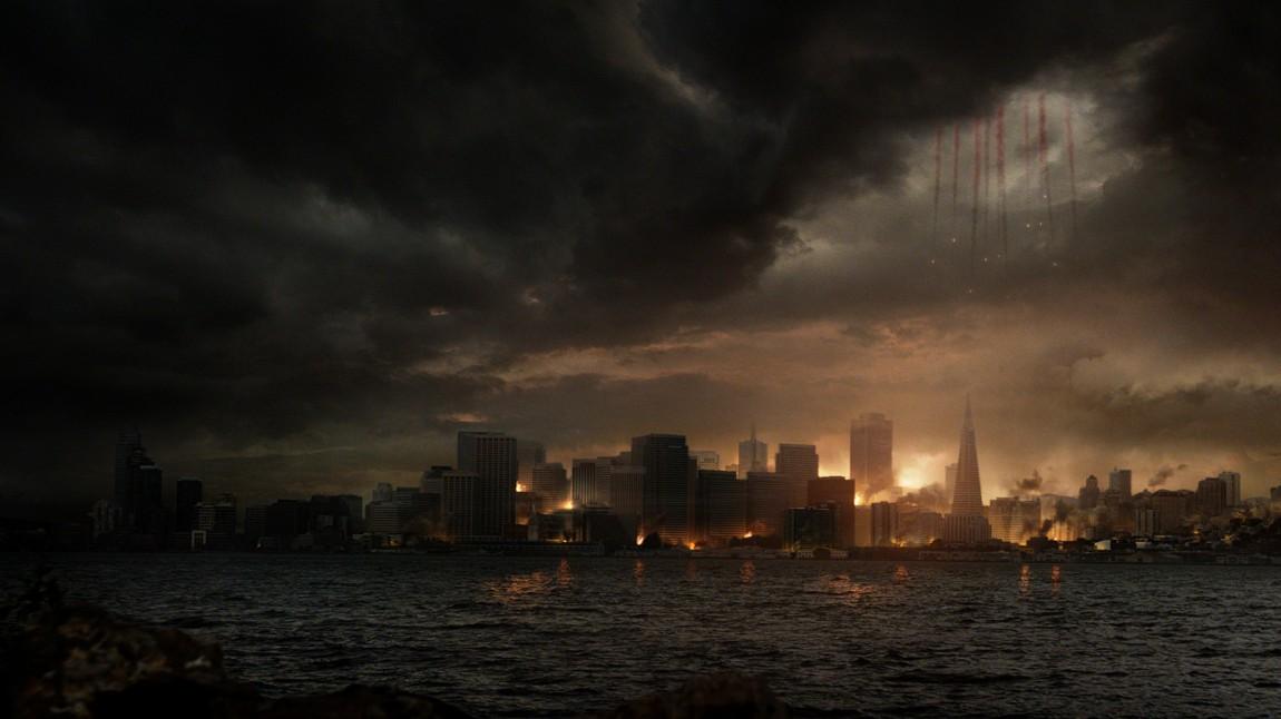 Gareth Edwards håndterer de storslagne sekvensene og de ikoniske ødeleggelsene bedre enn de nære og menneskelige følelsene i «Godzilla». (Foto: Warner Bros. Pictures/ SF Norge AS)