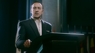 Kevin Spacey gjør seg godt i rollen som den maktgale sjefen for Atlas Corporation i «Call of Duty: Advanced Warfare». (Foto: Sledgehammer / Activision)
