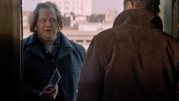 Ólafur Darri Ólafsson og Liam Neeson i A Walk Among The Tombstones (Foto: Scanbox).