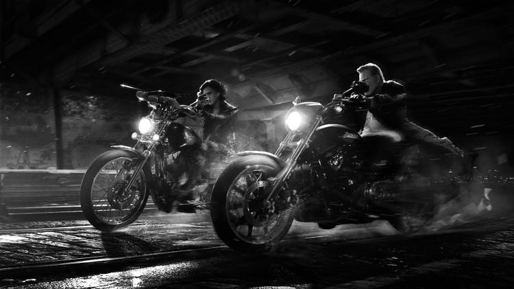Nancy (Jessica Alba) og Marv (Mickey Rourke) på tur i Sin City: A Dame to Kill For (Foto: SF Norge AS).