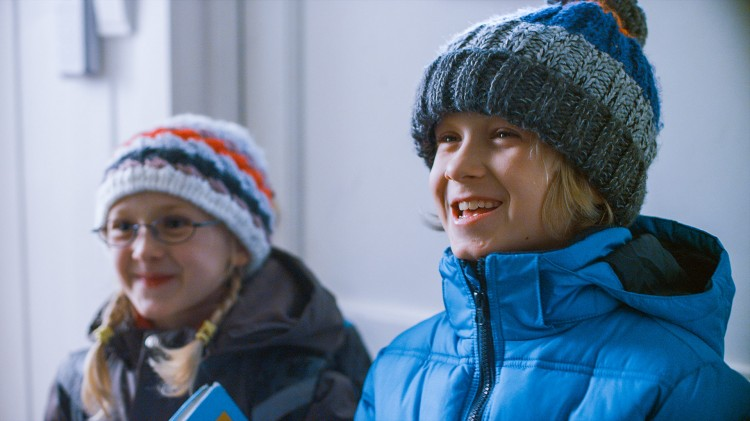 Ida (Ida Leonora Valestrand Eike) og Sindre (Leonard Valestrand Eike) i Operasjon Arktis (Foto: Filmkameratene/Nordisk Film Distribusjon AS).