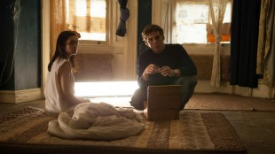 Olivia Cooke og Sam Claflin i The Quiet Ones (Foto: Scanbox).