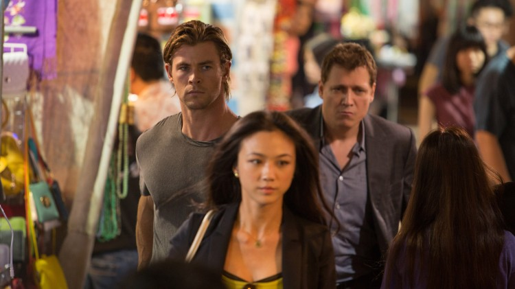 Chris Hemsworth, Wei Tang og Holt McCallany i Blackhat (Foto: United International Pictures).