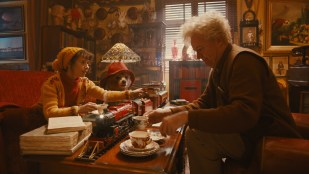 Sally Hawkins og Jim Broadbent i Paddington (Foto: SF Norge AS).