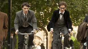 Harry Lloyd og Eddie Redmayne i The Theory of Everything (Foto: United International Pictures).