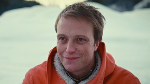 August Diehl spiller hovedrollen i Dirk Ohm - Illusjonisten som forsvant (Foto: SF Norge AS).