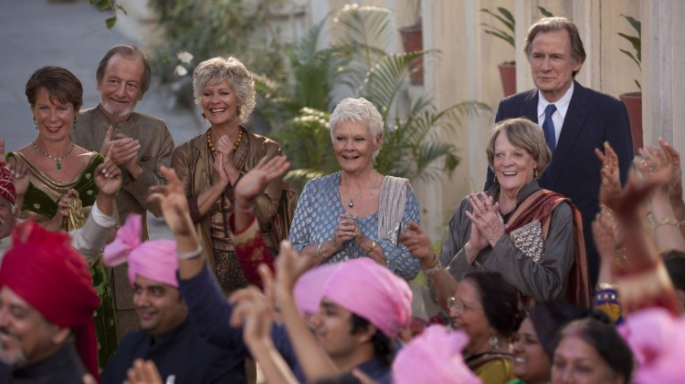 Celia Imrie, Ronald Pickup, Diana Hardcastle, Judi Dench, Maggie Smith og Bill Nighy i The Second Best Exotic Marigold Hotel (Foto: 20th Century Fox).