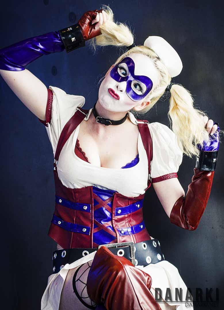 Lena Pedersen som Harley Quinn fra «Batman: Arkham Asylum». (Foto: Danarki/ Dan Michael Løvdahl)