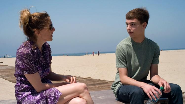 Amy Berg intervjuer Evan Henzi i An Open Secret (Foto: Vesuvio Entertainment).