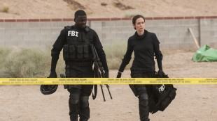 Emily Blunt spiller FBI-agent som blir involvert i narkokrig i Sicario (Foto: Lionsgate).