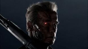 Det går hardt ut over Arnold Schwarzenegger i Terminator Genisys (Foto: United International Pictures).