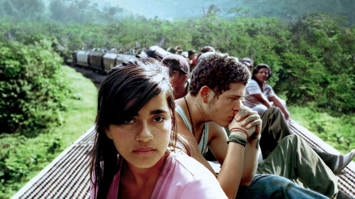 Sayra (Paulina Gaitán ) flykter fra Honduras til USA for å forsøke å få et bedre liv. (Foto: Creando Films, Canana Films)