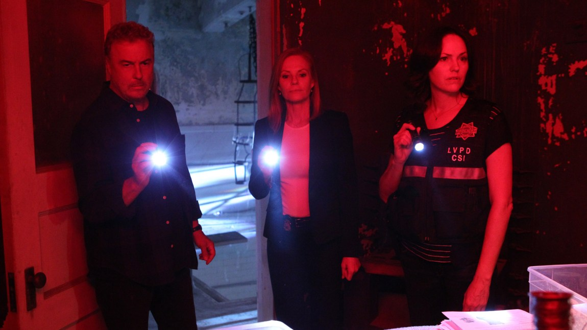 Bandet gjenoppstår! Gil Grissom (William L. Petersen) og Catherine Willows (Marg Helgenberger) teamer opp med Sara Sidle (Jorja Fox) for CSI's svanesang.