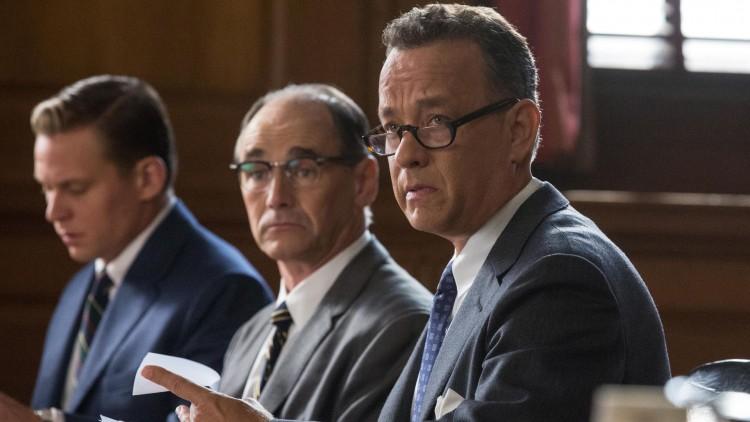 James Donovan (Tom Hanks) forsvarer spionen Rudolf Abel (Mark Rylance) i Bridge of Spies (Foto: 20th Century Fox).