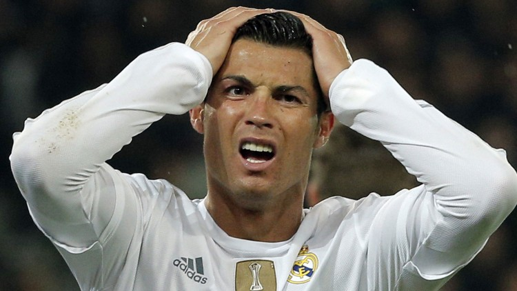 Ronaldos reaksjon på Filmpolitiets terningkast. ((AP Photo/Thibault Camus)